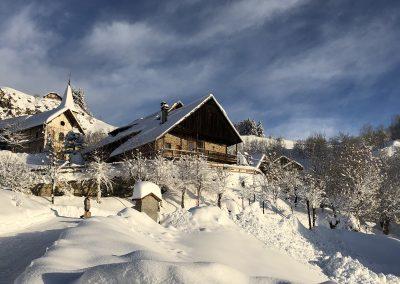 Chalet de Roches en hiver